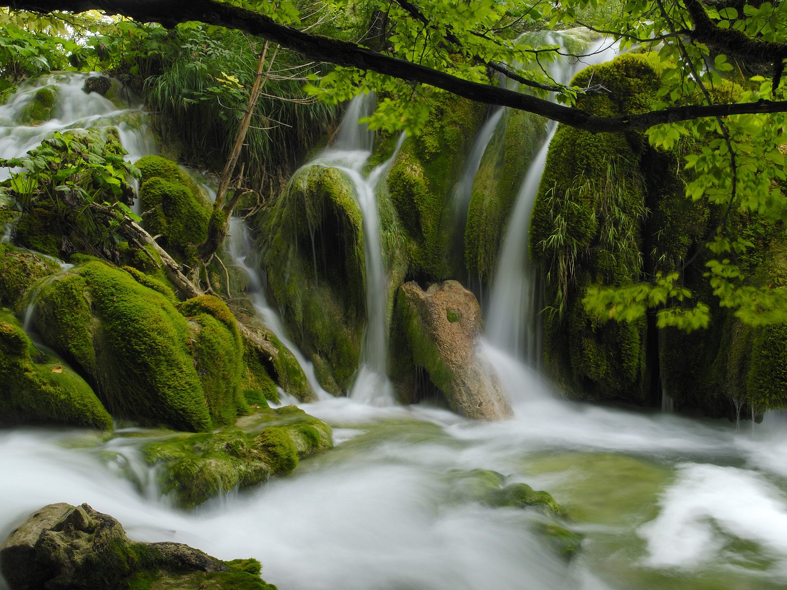 wallpaper waterfalls hd